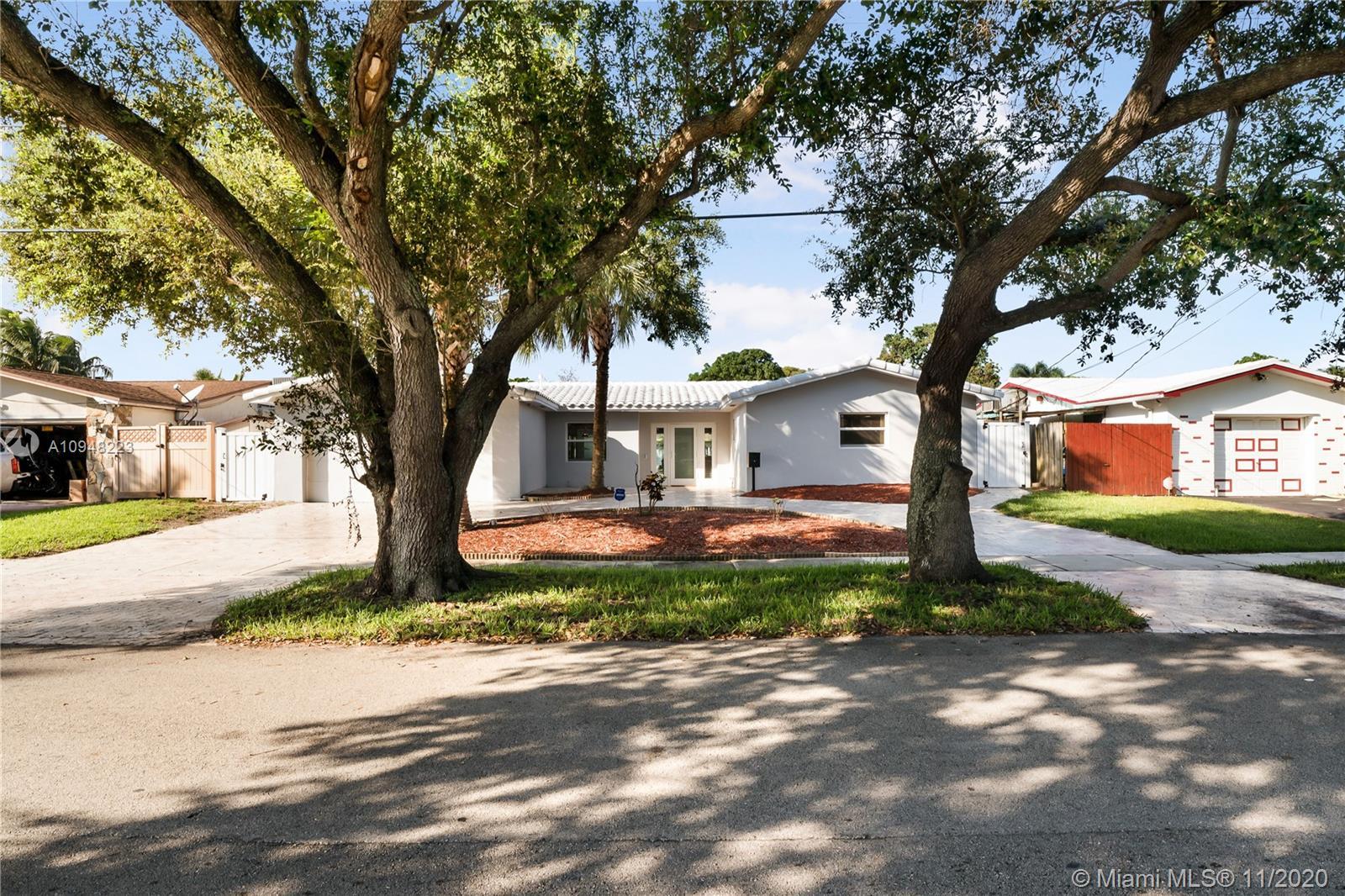 2721  Roosevelt St  For Sale A10948223, FL