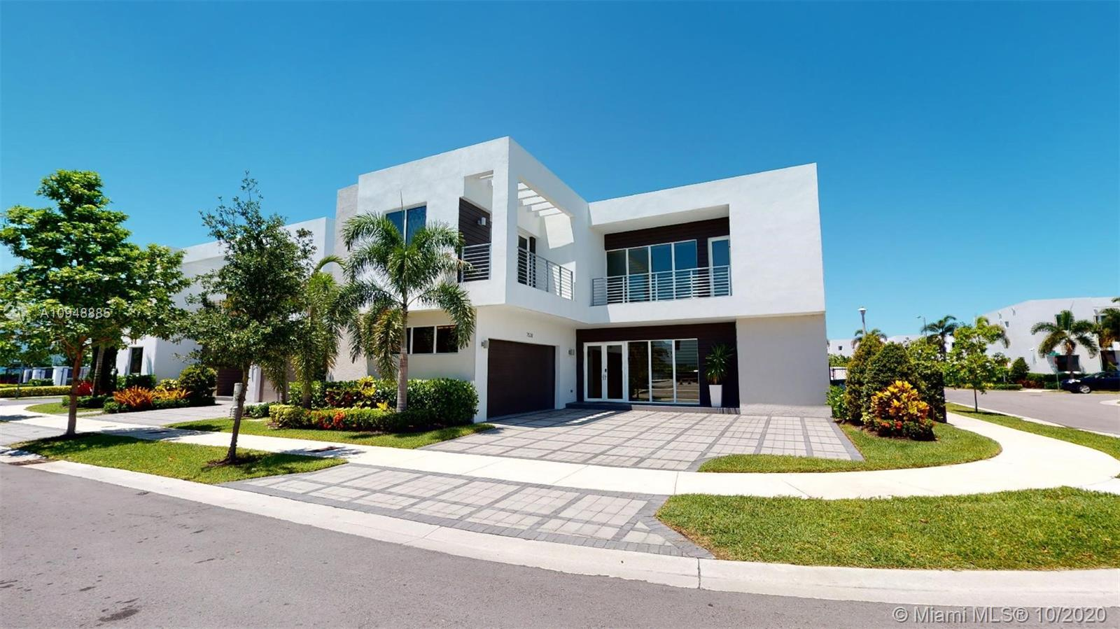7528 NW 101st Ave  For Sale A10948885, FL