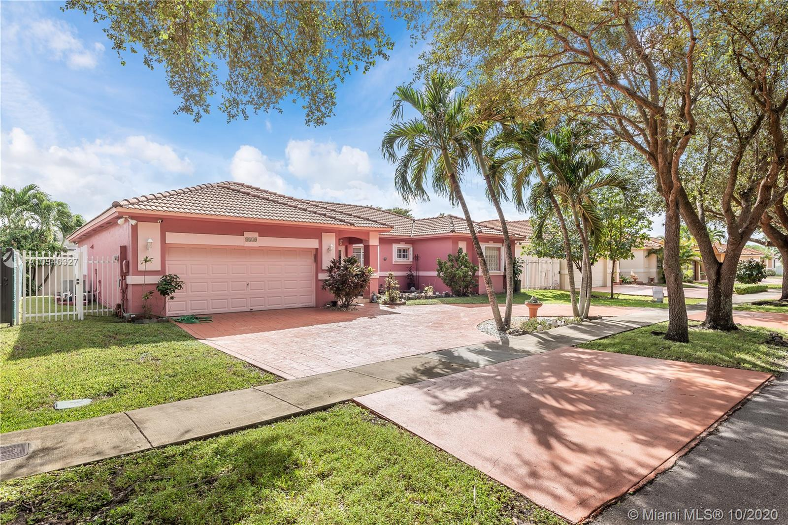 8820 NW 162nd Ter  For Sale A10946327, FL