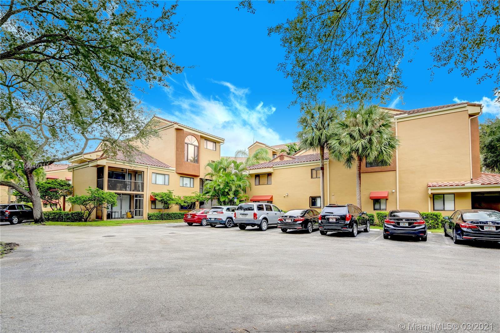15555  Miami Lakeway N #106-18 For Sale A10949311, FL