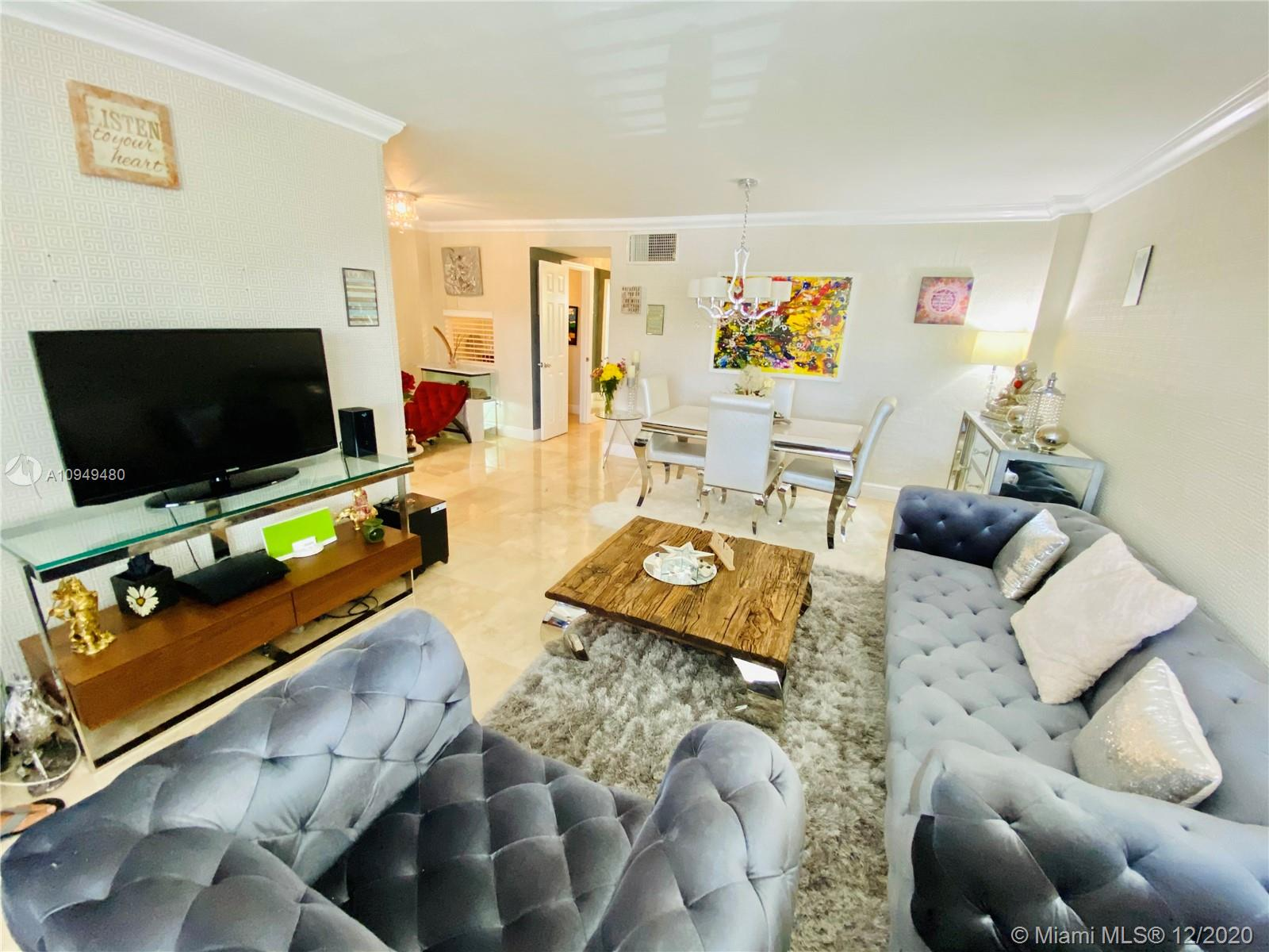 1030  9th St #304 For Sale A10949480, FL