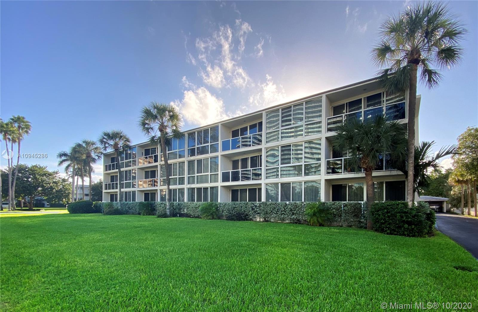 1  Harbour Way #306 For Sale A10945286, FL