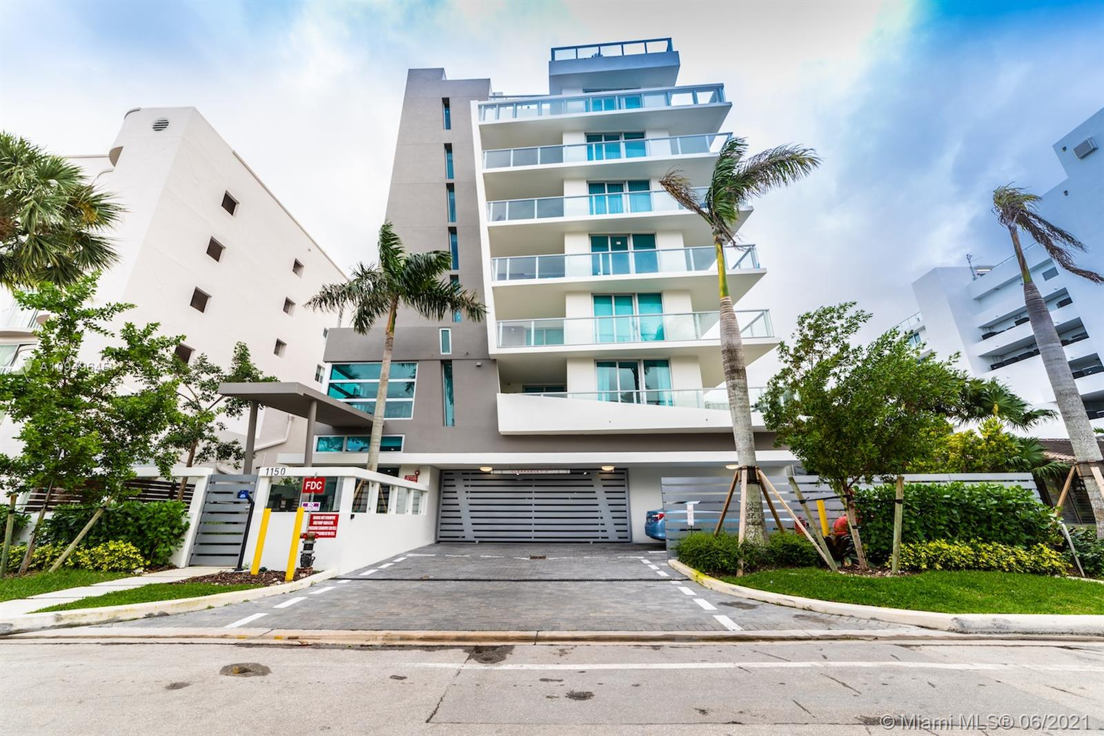 No Rental Restrictions, tastefully furnished condo in the Beautiful Bay Harbor Island. This boutique building with refined finishes has only 17 residences, rooftop pool, electronic concierge, automated door locks and blinds, smart thermostat. Two bedroom, two full bathrooms, summer kitchen, 2 covered parking spaces. All rooms with balcony access. Walk to the beach and the prestigious Bal Harbour Mall.