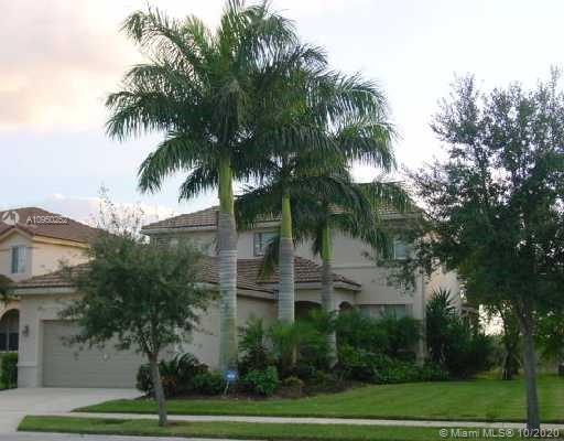 BEAUTIFUL HOME IN  THE DESIRABLE GATED COMMUNITY OF SAVANNA.ONE OF THE BEST COMMUNITIES IN THE PRESTIGIOUS CITY OF WESTON. THIS AMAIZING PROPERTY HAS BEAUTIFUL AND PEACEFUL WATER VIEW  WITH NO NEIGHBORS BEHIND. GREAT OPEN FLOOR PLAN VERY BRIGHT. THE PROPERTY FEATURES 4 BEDROOMS, 2 FULL BATHROOMS AND ONE 1/2 BATH. BEAUTIFUL KITCHEN WITH STAINLESS STEEL APPLIANCES.TILES ON THE FIRST FLOOR AND LAMINATE FLOOR ON SECOND FLOOR,FRESHLY PAINTED, 2 CAR GARAGE AND ACCORDION HURRICANE SHUTTERS. GREAT COMMUNITY AMENITIES, GREAT LOCATION AND GREAT SCHOOLS. PLEASE ENTER ON VIDEO INCON TO SEE THE NEW 4K 3D VIRTUAL VIDEO TOURS FOR MORE DETAILS.