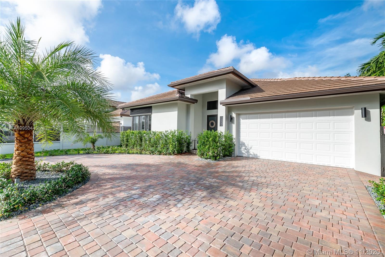1530 SW 89th Ct  For Sale A10950445, FL