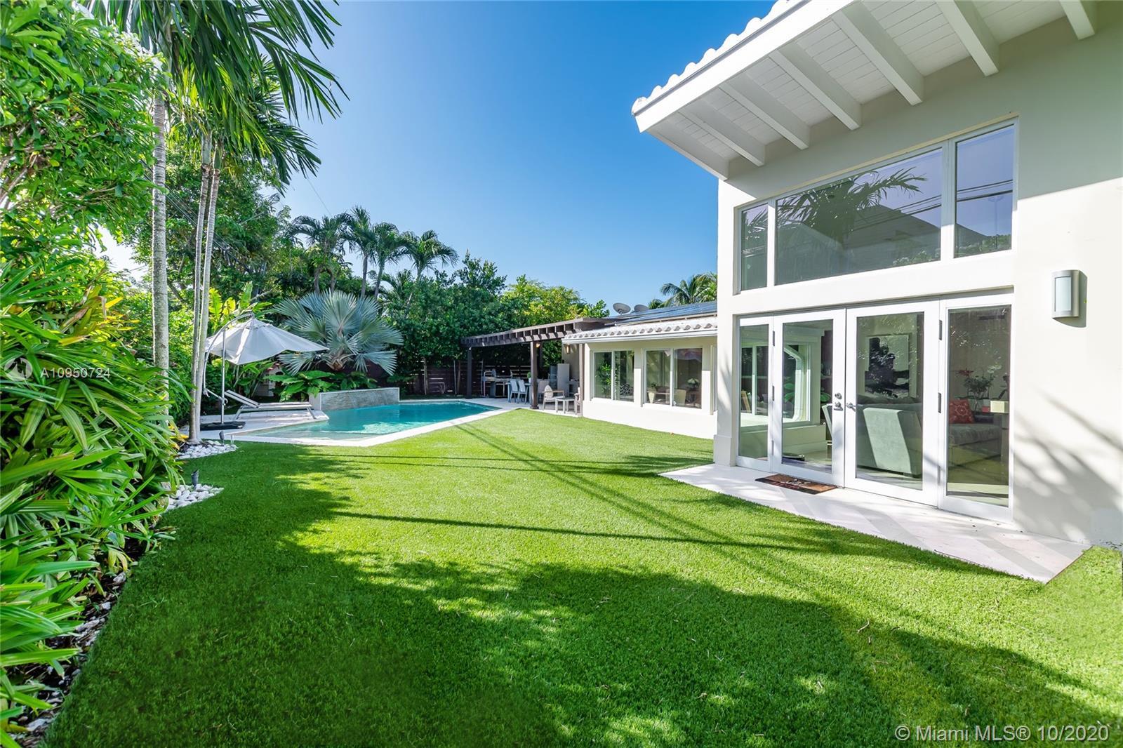 375  Hampton Ln  For Sale A10950724, FL
