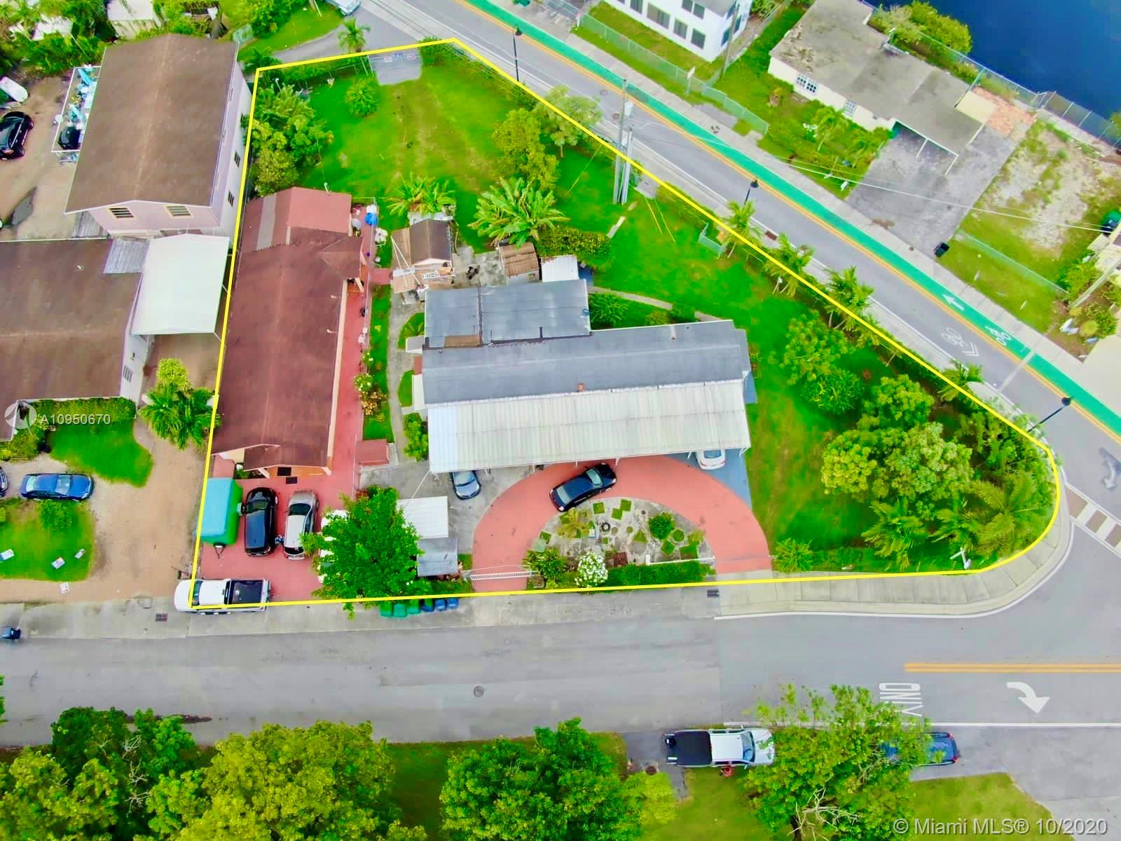 6810 NW 75th St  For Sale A10950670, FL