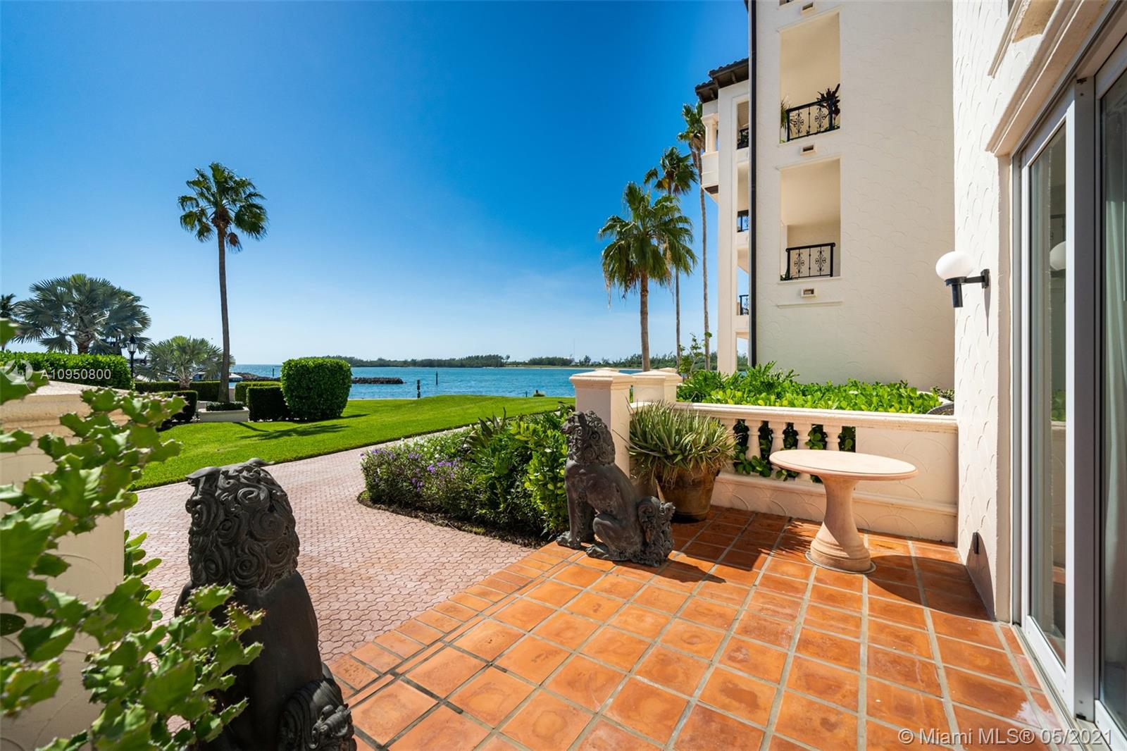 2212  Fisher Island Dr #2212 For Sale A10950800, FL