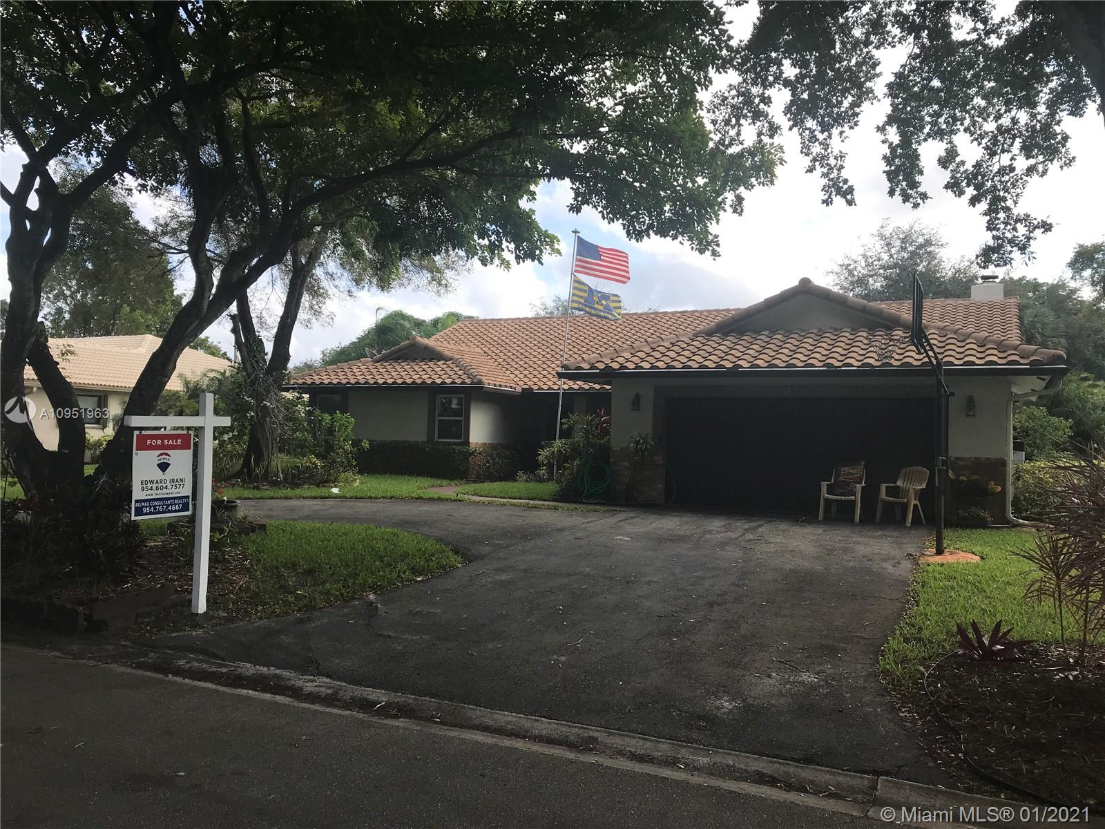 CYPRESS LAKES 3/2.5 POOL HOME. OPEN FLOOR PLAN, MUST SEE TO APPRECIATE. IDEALLY LOCATED NEAR A RATED SCHOOLS, SHOPPING, RESTAURANTS & HIGHWAYS. QUIET, BEAUTIFULLY MANICURED COMMUNITY AND LOW HOA! No individual showings, per seller request, all showings will be done with scheduled open houses, next open house Nov 29 from 2-5pm SEE YOU AT THE OPEN HOUSE!
