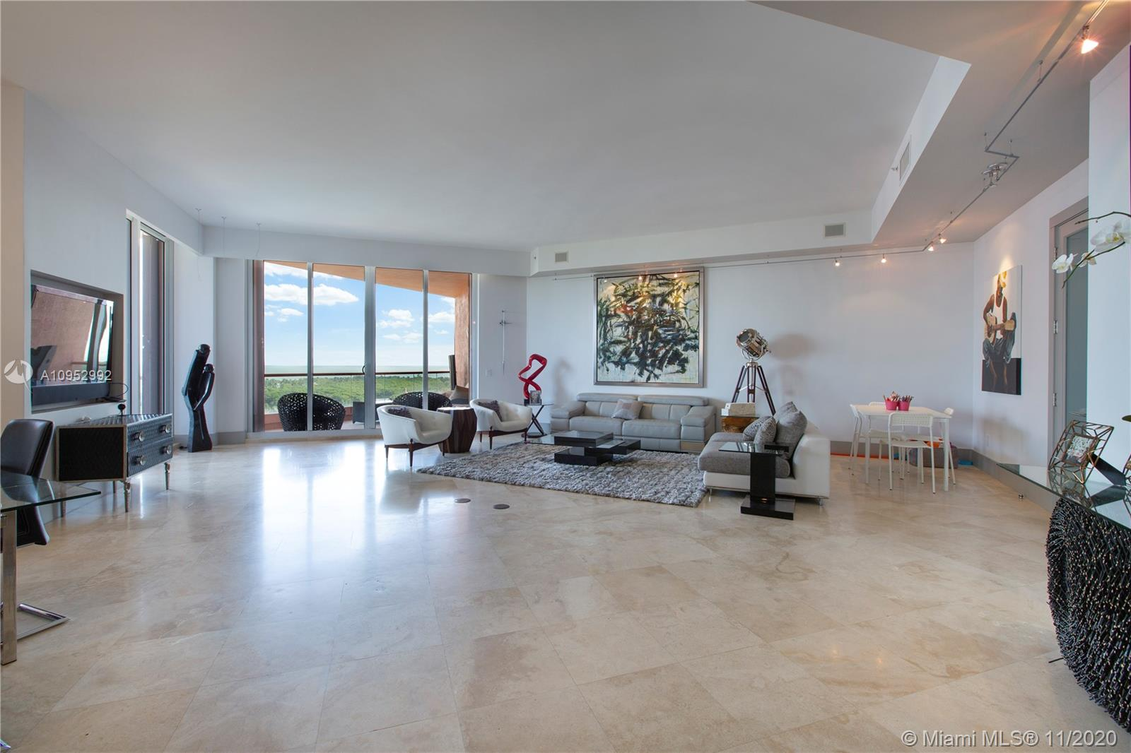 60  Edgewater Dr #PH3D For Sale A10952992, FL