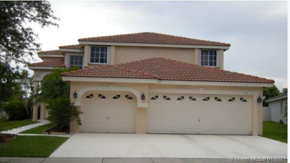 6 bedrooms/3 bath, 3 car garage, property located in the gated community of Emerald Sound at Silver Lakes.