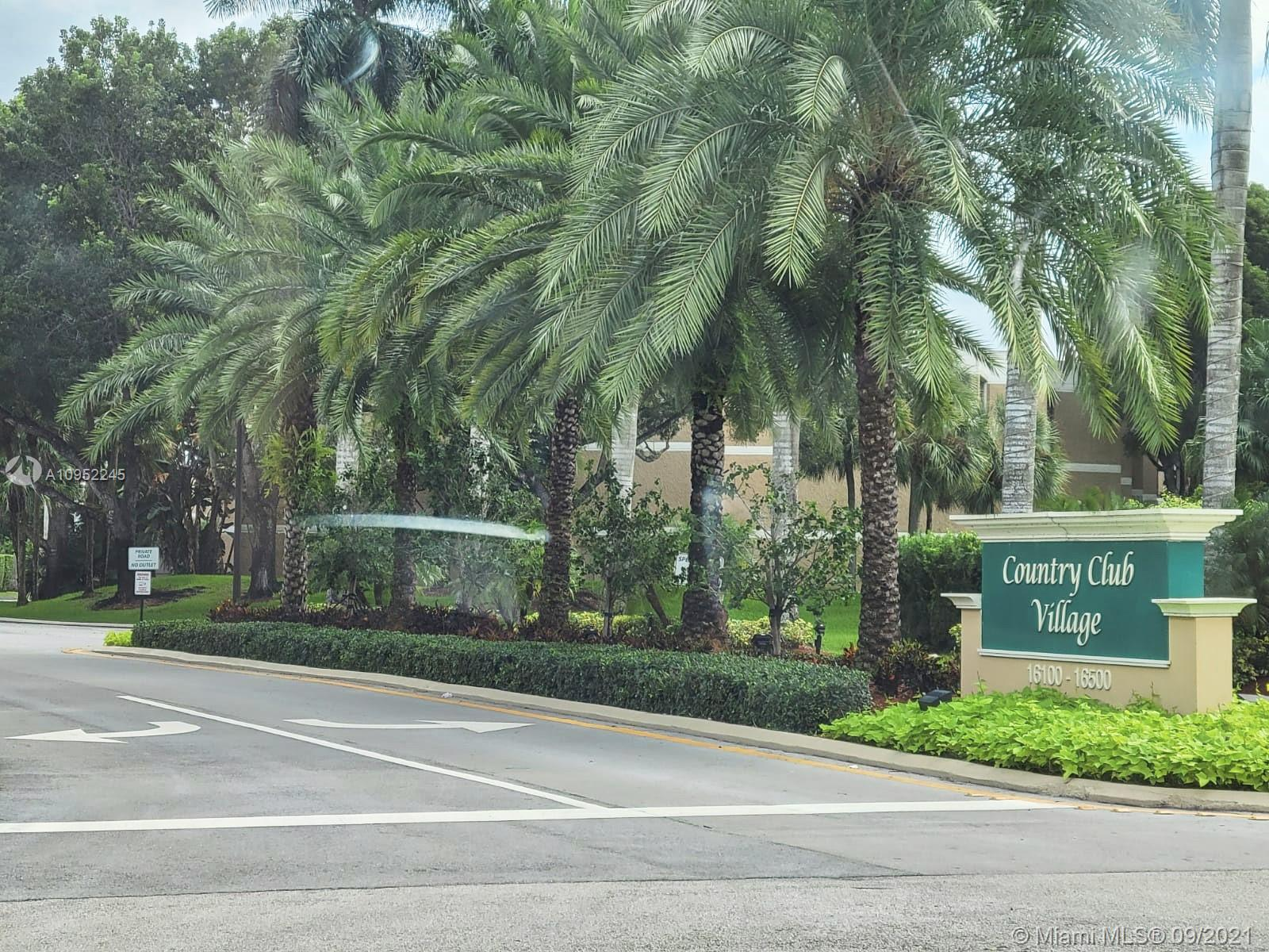 BEAUTIFULLY RENOVATED CONDO UNIT IN GOLF CLUB VILLAGE. THIS SPACIOUS 2/2.5 IS MOVE-IN READY!!! 3RD FLOOR UNIT WITH GARDEN VIEWS. STORAGE WITH HUGE CLOSETS PLUS ADDITIONAL STORAGE IN BUILDING. ENJOY RESORT STYLE LIVING AND ALL THE AMENITIES THIS COMPLEX HAS TO OFFER. AMENITIES INCLUDE A COMMUNITY POOL, 2 TENNIS COURTS, REASONABLE MEMBERSHIP TO BONAVENTURE TOWN CENTER.