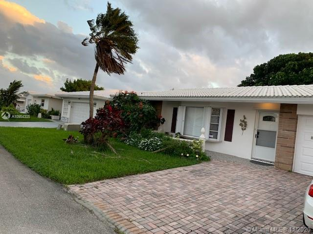 Large and open layout with granite kitchen ,tile floors ,split bedrooms plans ,with large master,walk in closets large family room,updated bathrooms, newer roof.Nothing to do on this one ,move in ready.