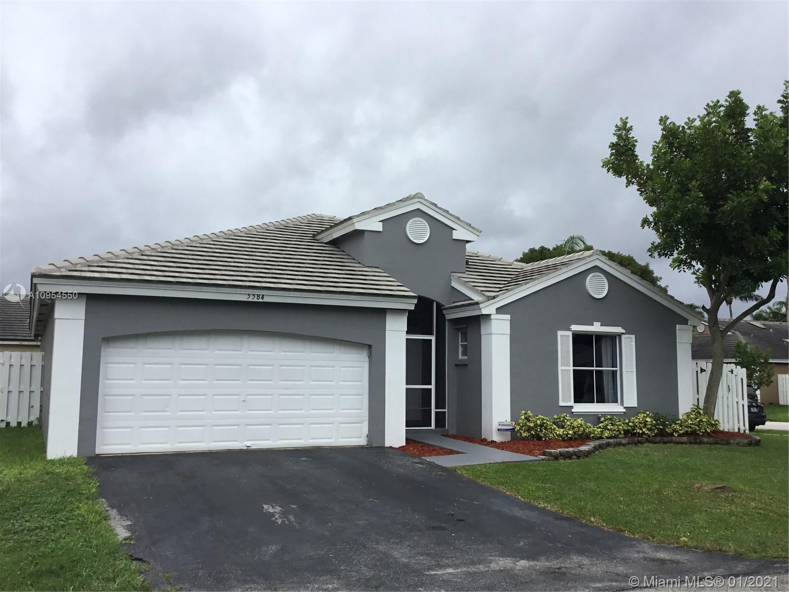 GORGEOUS 3 bedroom, 2 Bath home in the highly sought after Somerset in Winston Park. This home is renovated with the highest quality finishes, split bedrooms, vaulted ceilings, tile throughout, skylights, Hurricane shutters, two car garage, screened patio with huge backyard and NEW ROOF!