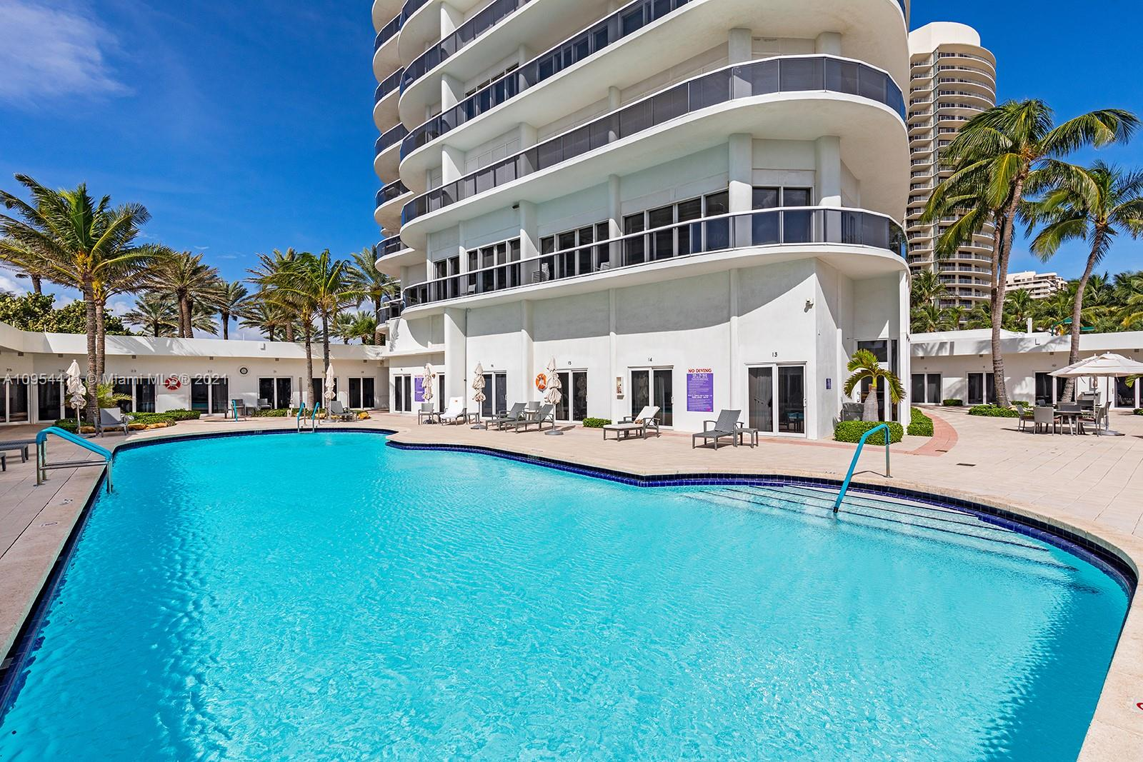 9601  Collins Ave   T4-1