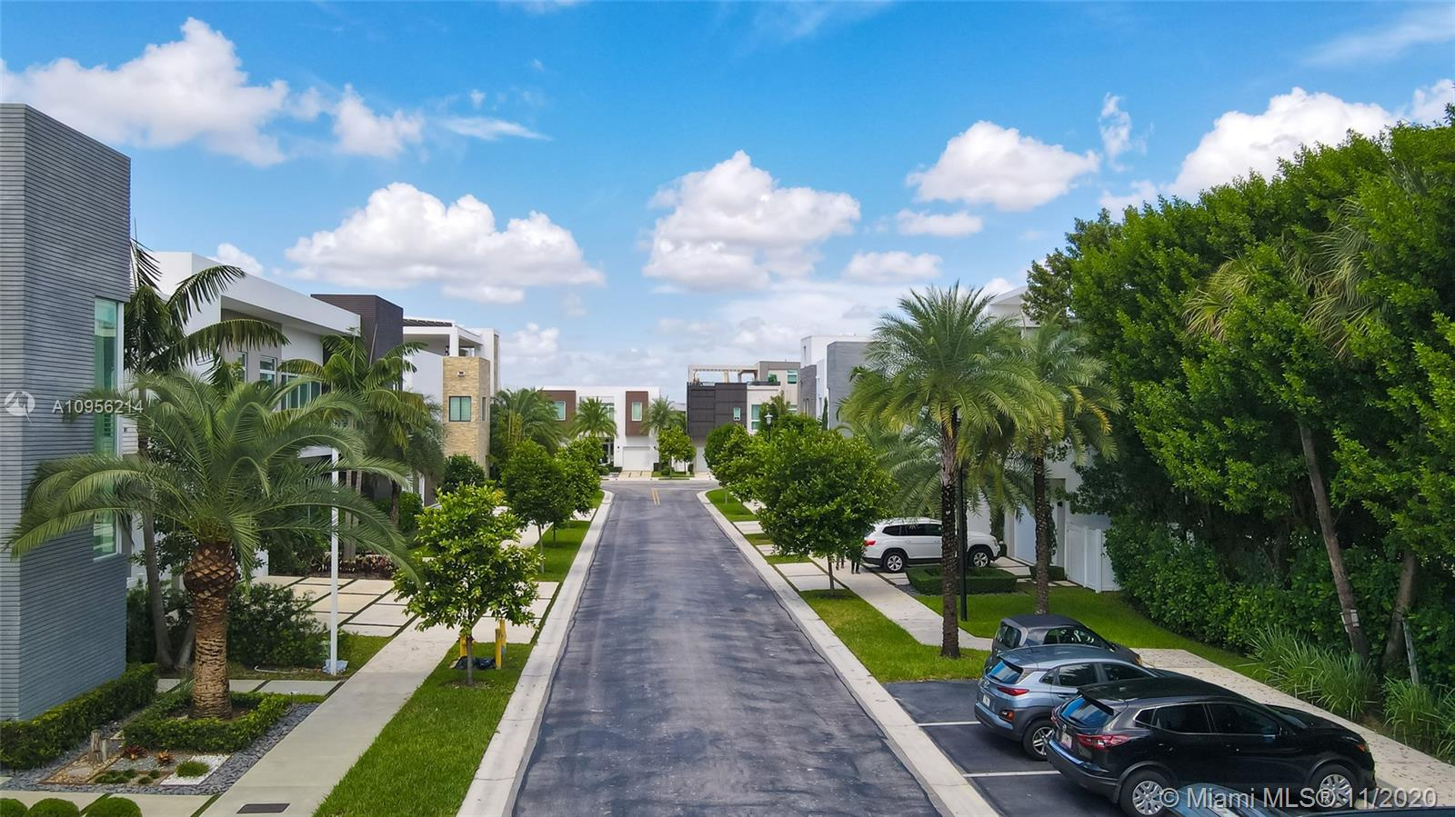 6819  105TH AVE  For Sale A10956214, FL