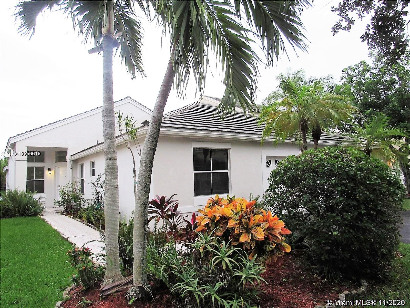 GORGEOUS WATERFRONT ONE STORY HOME AT THE LAKES AT WESTON, A+ SCHOOLS ALL THE WAY TO HIGH SCHOOL, COMMUNITY POOL, 24 HRS SECURITY AND GATED, CONCRETE BLOCK HOME, BEAUTIFUL PLACE READY TO MOVE IN, 5,677 LOT , STAINLESS STEEL APPLIANCES, NEW HIGH EFFICIENT TOILETS AND MORE