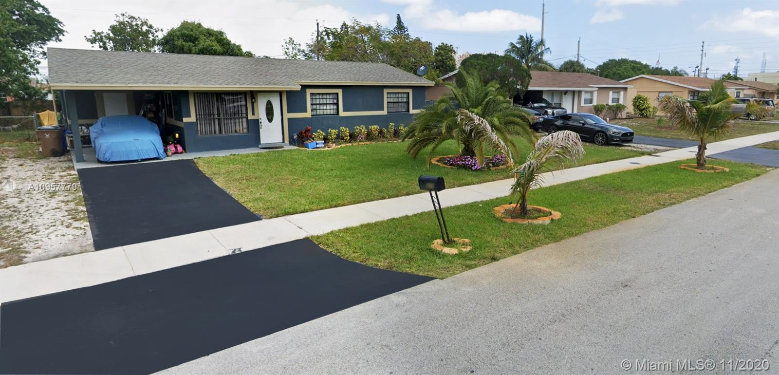 MARVELOUS SINGLE FAMILY HOME IN THE HEART OF DEERFIELD BEACH CLOSE TO MAJOR HIGHWAYS, SHOPS, BEACH, CITY PARKS AND RESTAURANTS. HOME COMPLETETLY UPDATED WITH STAINLESS STEAL APPLIANCES, GRANITE COUNTER TOPS, UPDATED BATHROOMS , SPACIOUS BACKYARD GREAT FOR ENTERTAINING AND FRUIT TREES. ALL AGES WELCOME.