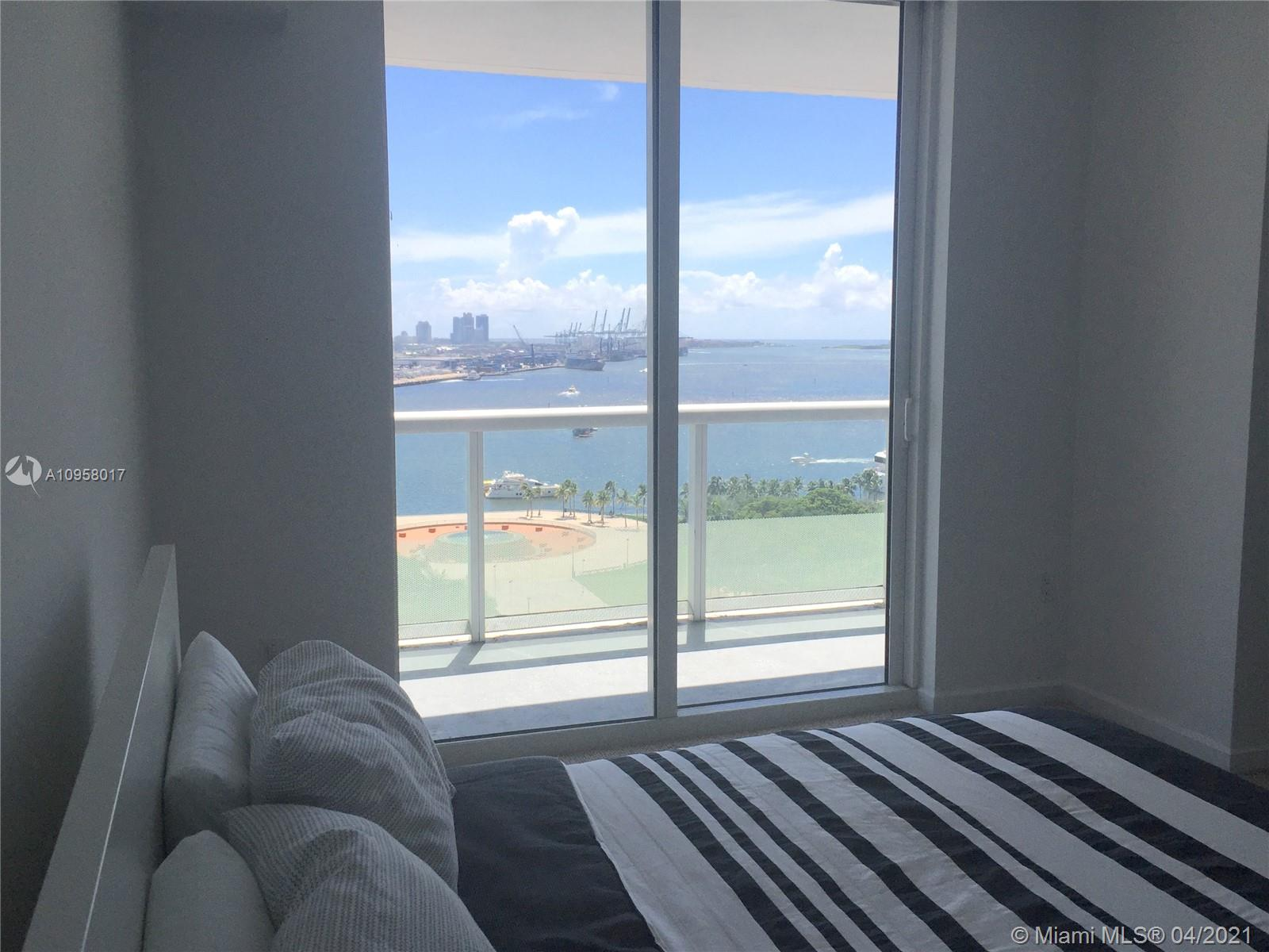 Beautiful 2 bedroom 2 bathroom + den, high-end residence,unobstructed ocean view, oversized balcony, pool, gym, sauna and more, Prime convenient location, walking distance to restaurants, AA Arena, metro mover station, Available immediately.