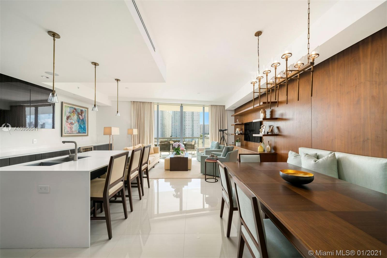 Gorgeous unit at prestige Echo Aventura with unobstructed views of the city, ocean and intracoastal. This 3 bedrooms 4.5 bathrooms has a private entry and elevator. The building has 5 star amenities, infinity pool, gym, restaurants and more. The unit is available for showings starting December 2020.