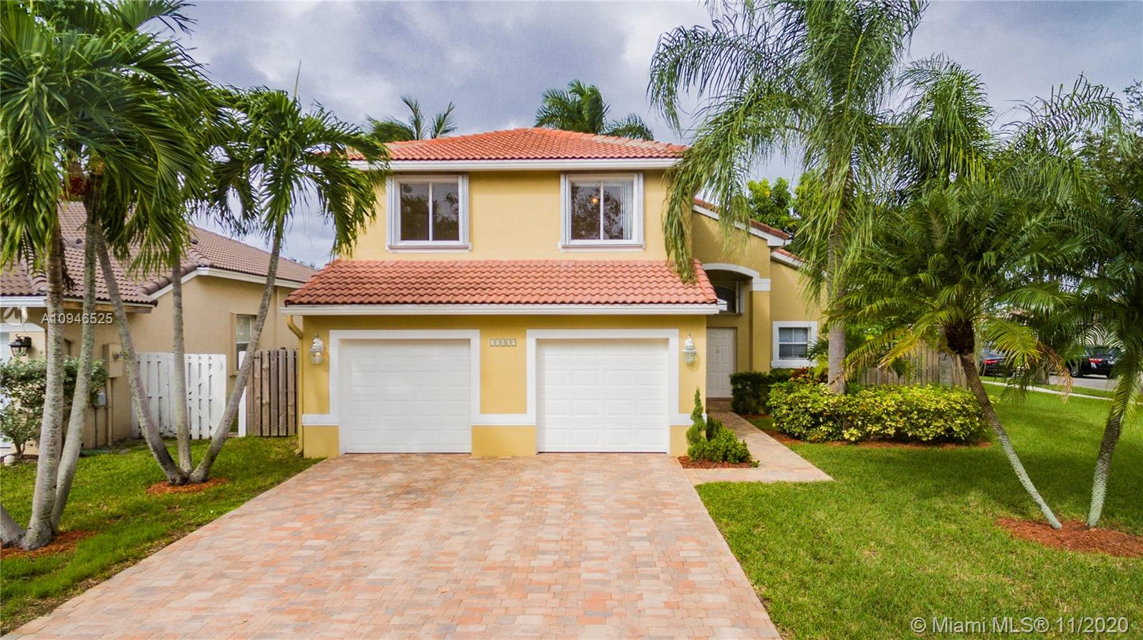 Pristine 2 Story, Corner Lot, 4 bedroom, 2.5 bath, huge 2 Car Garage home in Keystone Lakes, Pembroke Pines.  Kitchen w/ Granite Counters & Stainless Steel Appliances. Porcelain and Tile Throughout.  Fenced Yard w/ Pool, Covered Porch, Accordion Shutters.  Close to expressway.  Excellent schools.  **for showings use ShowingAssist