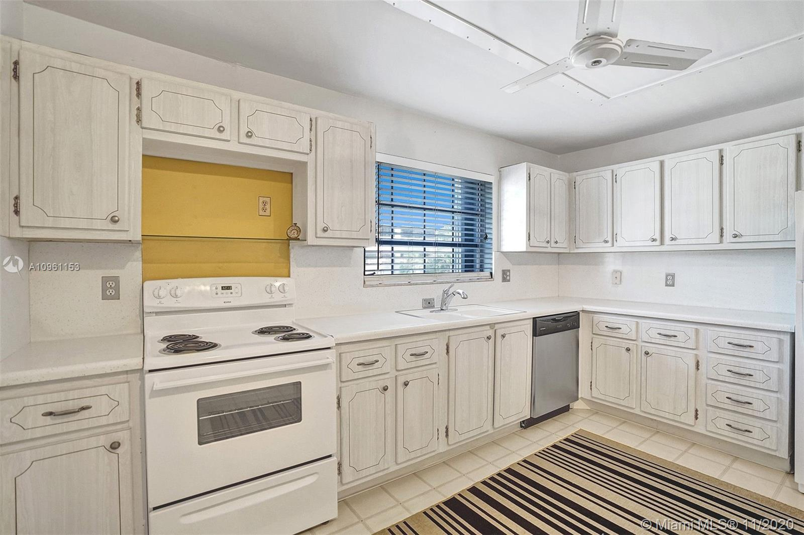 Spacious 2 bedroom 2 bath condo in 55+ community looking for the right buyer to come and make it their home.  Conveniently located behind the Galleria Mall, restaurants and walking distance to the beach.  Bathrooms have updated vanities.  Community has laundry facility and pool.