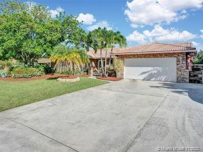 Beautiful home with large bedrooms, open floor plan with sunlight. Hurricane windows and doors with a bonus skylight. Fenced yard and pool with covered patioBeachesMLSMatrix