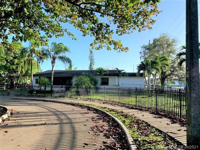 LOCATION, LOCATION !!! GREAT INVESTOR OPPORTUNITY!! READY TO BE 5 BEDROOMS / 5 BATHROOMS. THE PROYECT FLOOR PLANS ARE ALREADY SUBMITED, AND ON PROCESS AT CITY OF SOUTH MIAMI!  PROPERTY ACTUALLY IS 4 BEDROOMS / 2 BATHROOMS ON A GREAT CORNER LOT 10,510 SQ F LOCATED AT A CUL DE SAC !  ENORMOUS POTENTIAL!! HALF MILE TO UNIVERSITY OF MIAMI. YOU NEED TO SEE ASAP! EASY TO SHOW.