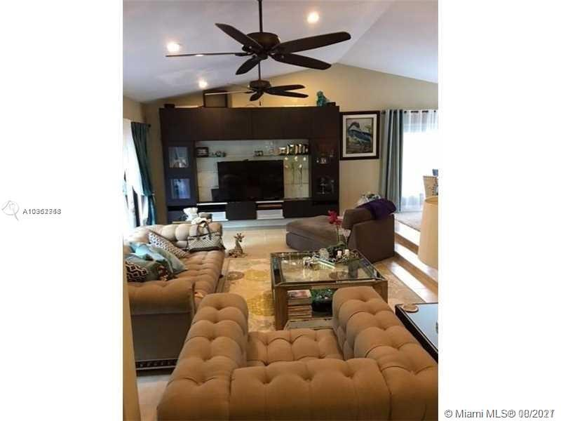 20005 NE 10th Place Way  For Sale A10962758, FL