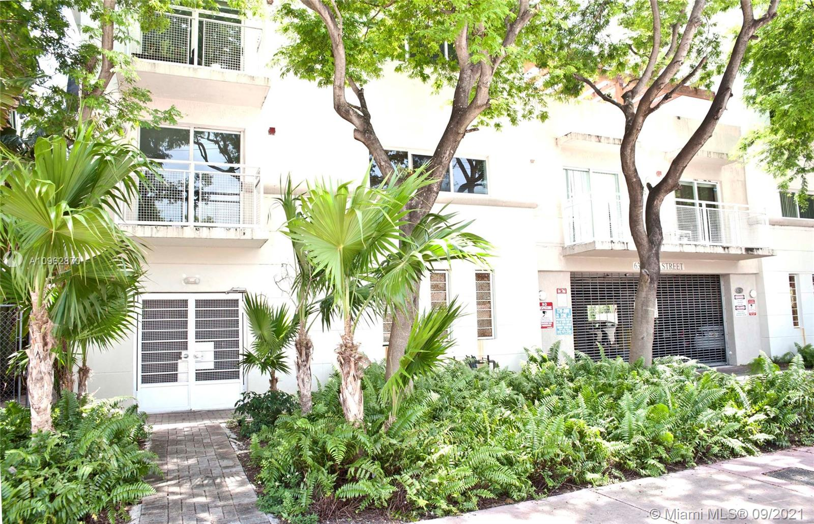Beautiful 1Br/1Ba condo in a newer, boutique building in quiet Miami Beach neighborhood. Open concept kitchen. Washer & dryer inside. Impact windows. One assigned parking space in a covered garage. Only 18 units in the building which provides lots of privacy. Super close to the beach and Bal Harbor Shops. Perfect for a first time home buyer, vacation home or rental investment. Easy to show.