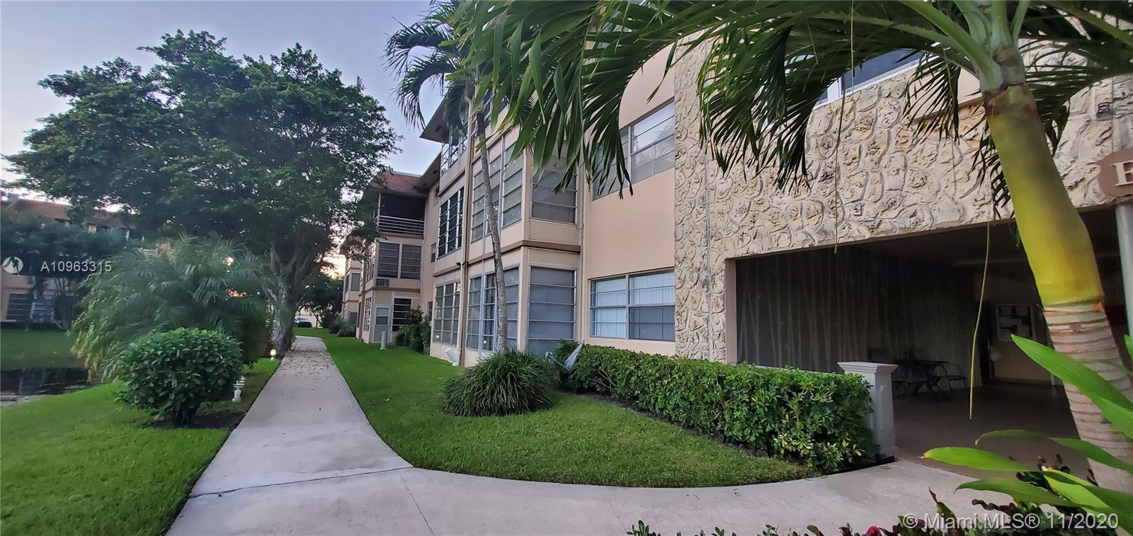 One bedroom condo, located on the first floor, recently renovated through out, this is a 1 bedroom and bathroom with a den/office spacious kitchen, living, family and patio area with a lake view.