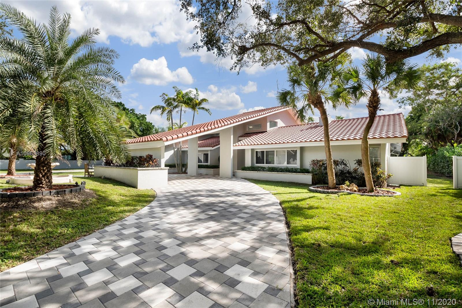 7840 SW 183rd Ter  For Sale A10963890, FL