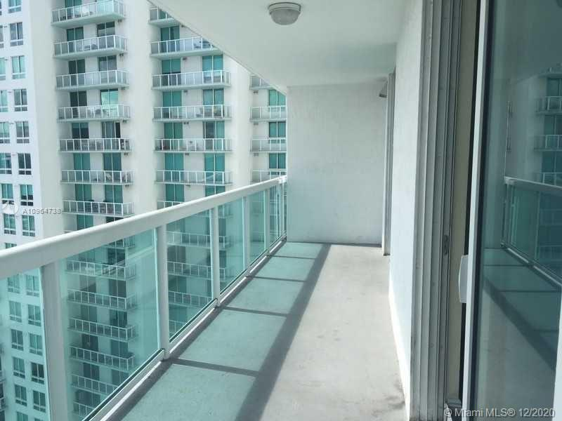 1800 CLUB CONDO IN EDGEWATER FOR RENT UNFURNISHED 1/1, OPEN KITCHEN.WASHER/DRYER. WITH 822 SQFT OF AC SPACE + 168 SQFT OF TERRACE FOR A TOTAL OF 990 SQ FT. FLOOR TO CEILING WINDOWS IN BOTH THE LIVING DINING AREA & THE BEDROOM. RENT INCLUDES HIGH SPEED-INTERTENT ACCESS,CABLE,WATER & 1 PARKING(MORE AVAILAILBE FOR+) FULL AMENITIES BUILDING. WALK TO PARK, CAFES, NIGHTLIFE, PUBLIX, BANKS & SO MUCH MORE.5 MINUTES TO EVERYTHING IN THE NEW URBAN MIAMI INCLUDING SOUTH BEACH, DOWNTOWN, BRICKELL, AAA, PERFORMING ARTS CENTER,THE PORT & HEALTH DISTRICT. EASY ACCESS TO ALL MAJOR HIGHWAYS.