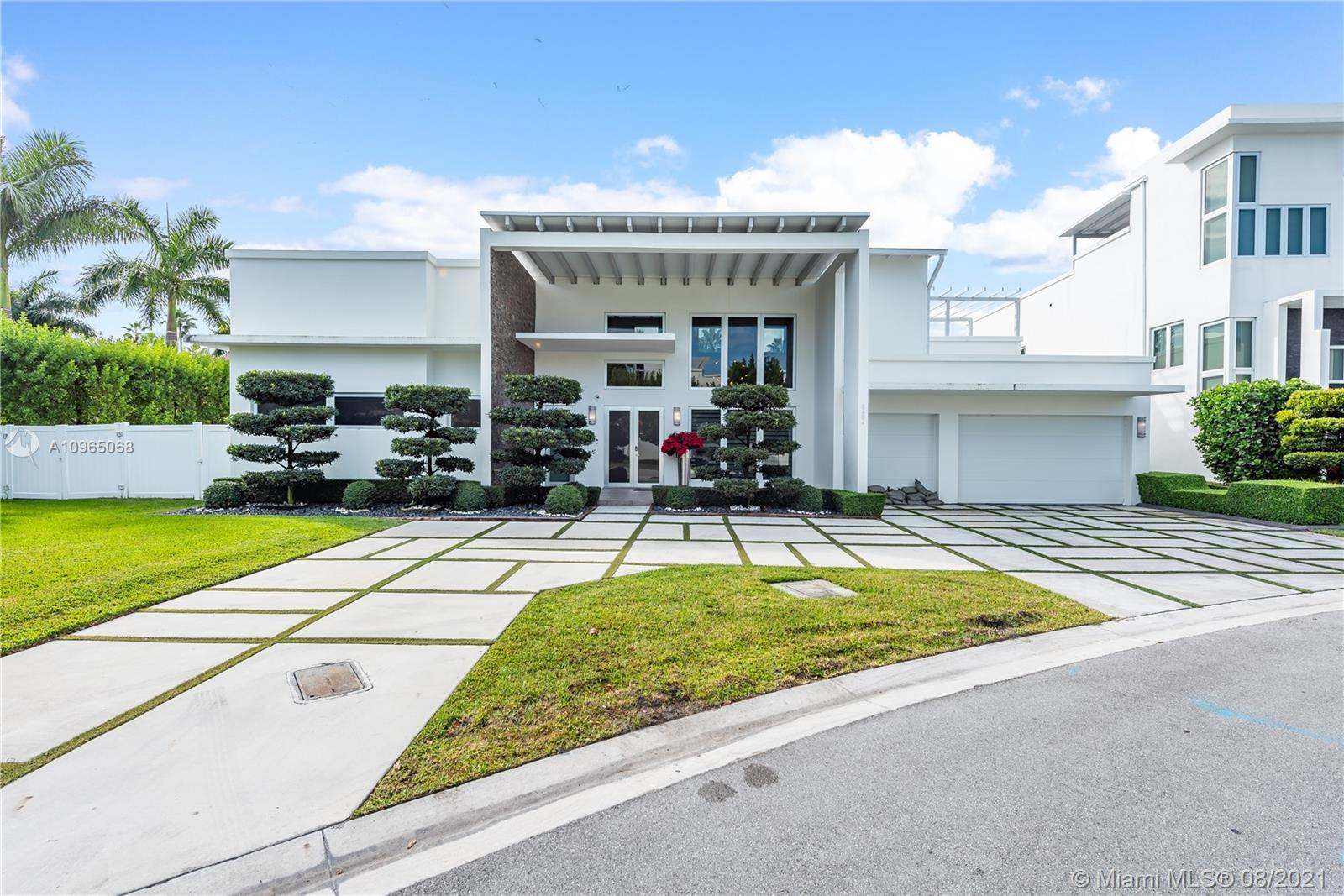 Spectacular home in the best area of Doral, the Oasis Park Square community,  living area 3,838 square feet for a total lot 13086 SF, built in 2015, this MODERN house has 6 bedrooms and 6 Full bath,  gourmet chef's kitchen. Stainless steel appliances (JennAir), high windows impact, electric shutters (hunter-douglas),  Jacuzzi, BBQ, Pool, Close access to expressway, a few miles away from Donwton Doral where there is shopping, entertaiment, and great restaurants. Excelent A+ school very close, and grocery stores. Family friendly area.