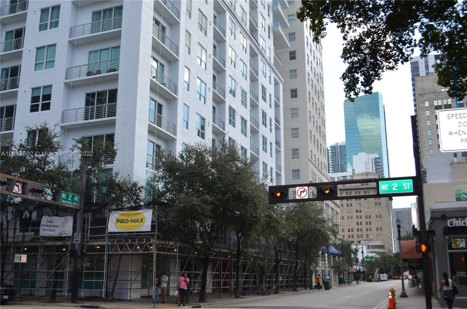 Spectacular Studio apartment at Loft II in the heart of Downtown Miami. Loft style, with amazing views of Brickell. The condo offers a bright space, with high ceilings, concrete floors, modern kitchen and bathroom. The layout of this condo offers tremendous privacy with no buildings obstructing the Miami views. This condo is great for investing. Located in the heart of Downtown Miami, three block from Brickell, minutes away South Beach, Coconut Grove, and Coral Gables, Wynwood, and two major hospitals. This condo has easy access to I-95, and walking distance to the Briteline. It also offers great amenities including two swimming pools (one roof pool), a gym, and a beautiful community room with a pool table. Association Budget is available upon request to listing agent.
