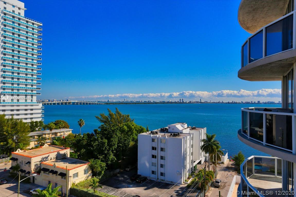 MODERN KITCHEN, STAINLESS STEEL APPLIANCES, CHERRY LA 1 BED /1 BATH. AMAZING MIAMI BEACH SKYLINE AND BAY VIEWS. WOOD FLOORS, GRANITE COUNTER TOPS AND CARPET IN BEDROOMS.BUILDING OFFERS GYM, POOL AND SOCIAL ROOM.