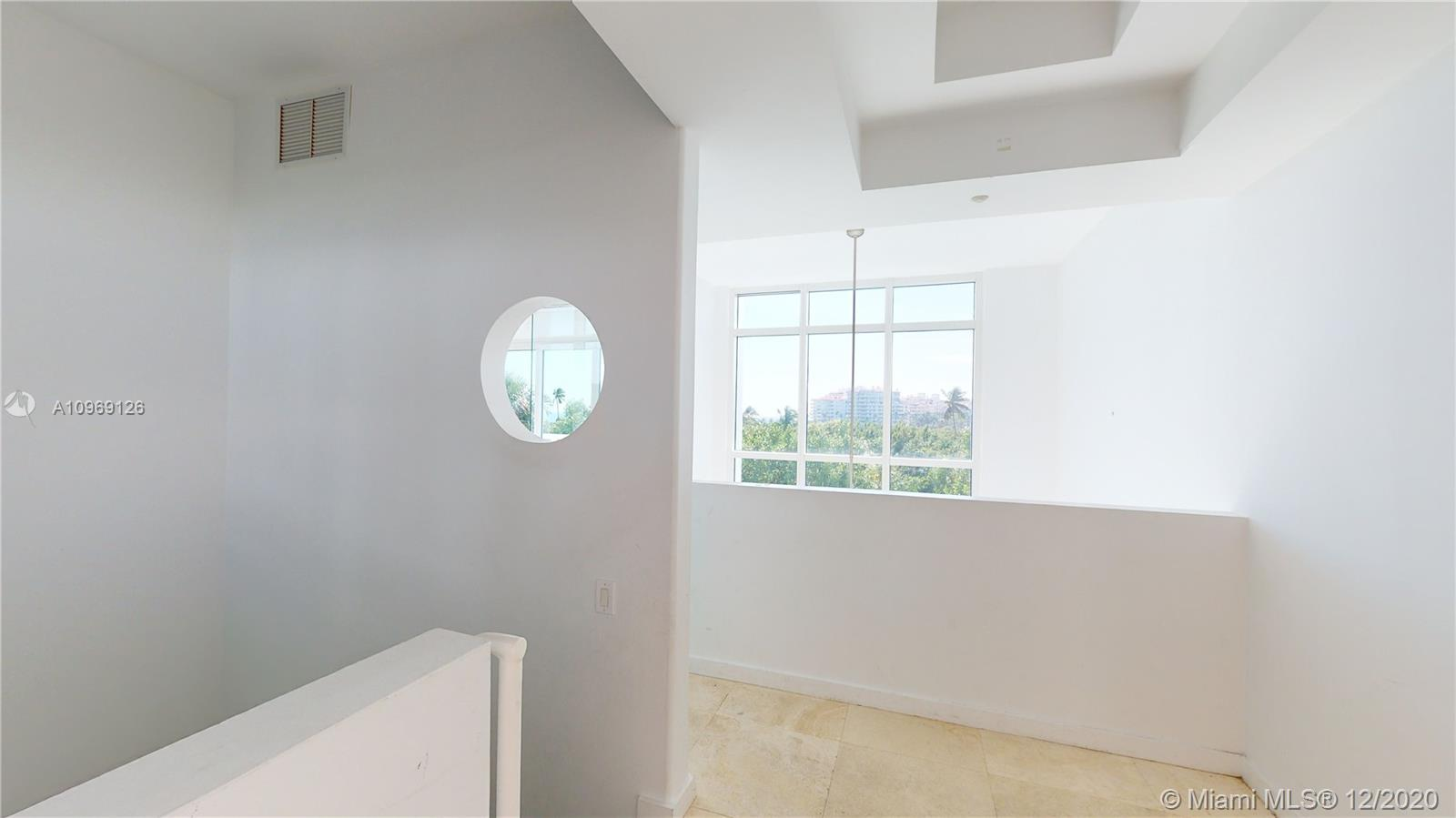 Amazing opportunity to own a Townhouse at The Continuum. Enjoy completely privacy for a great price in this beautiful 3 bed rooms 3.5 bathrooms.  18 foot ceilings in living area with lots of natural light from the southeast exposure sunrises.  Ocean view from entrance and master bedroom and direct access from your own garage.  A must see!