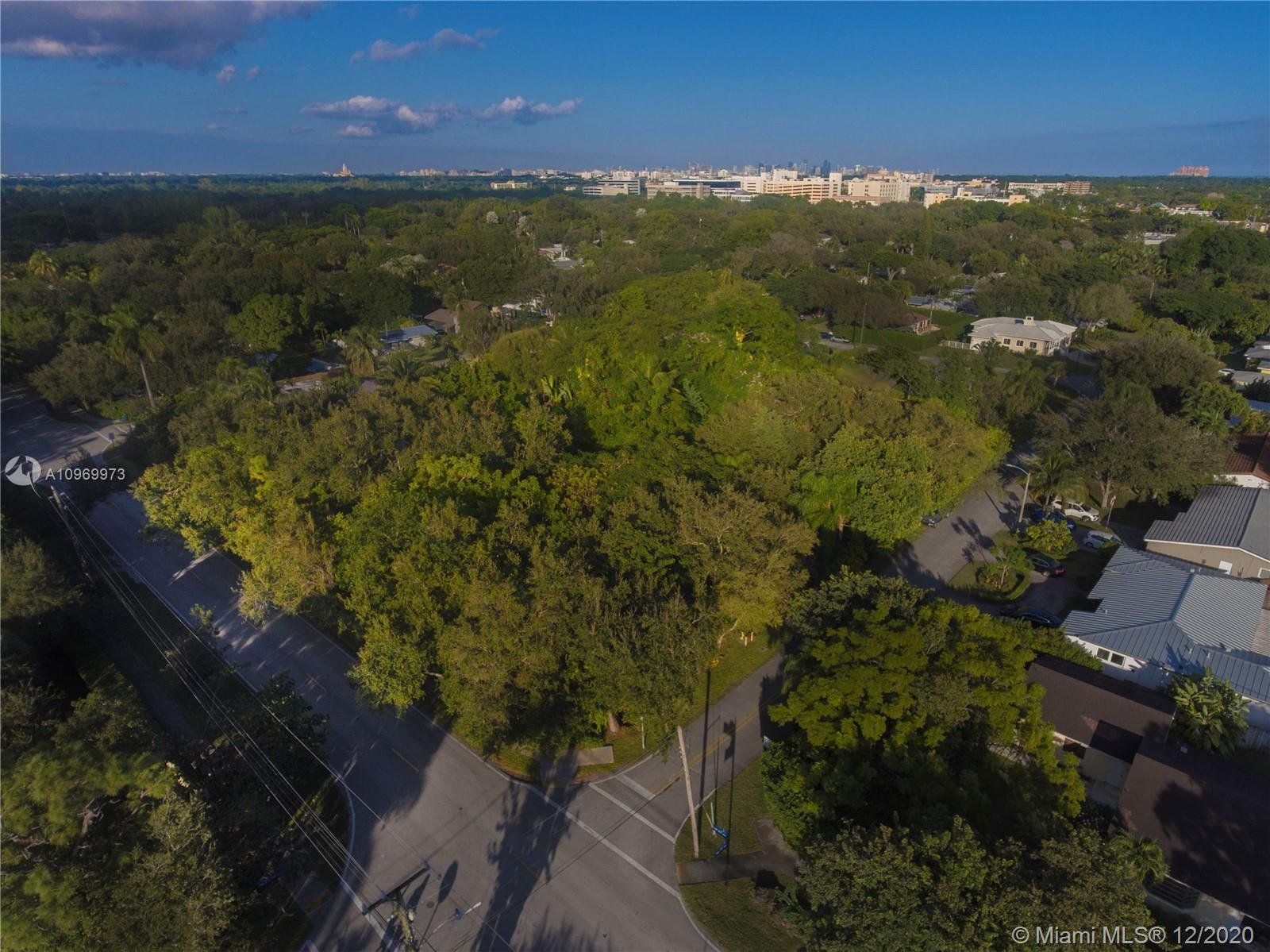 7709 SW 67th Ave  For Sale A10969973, FL