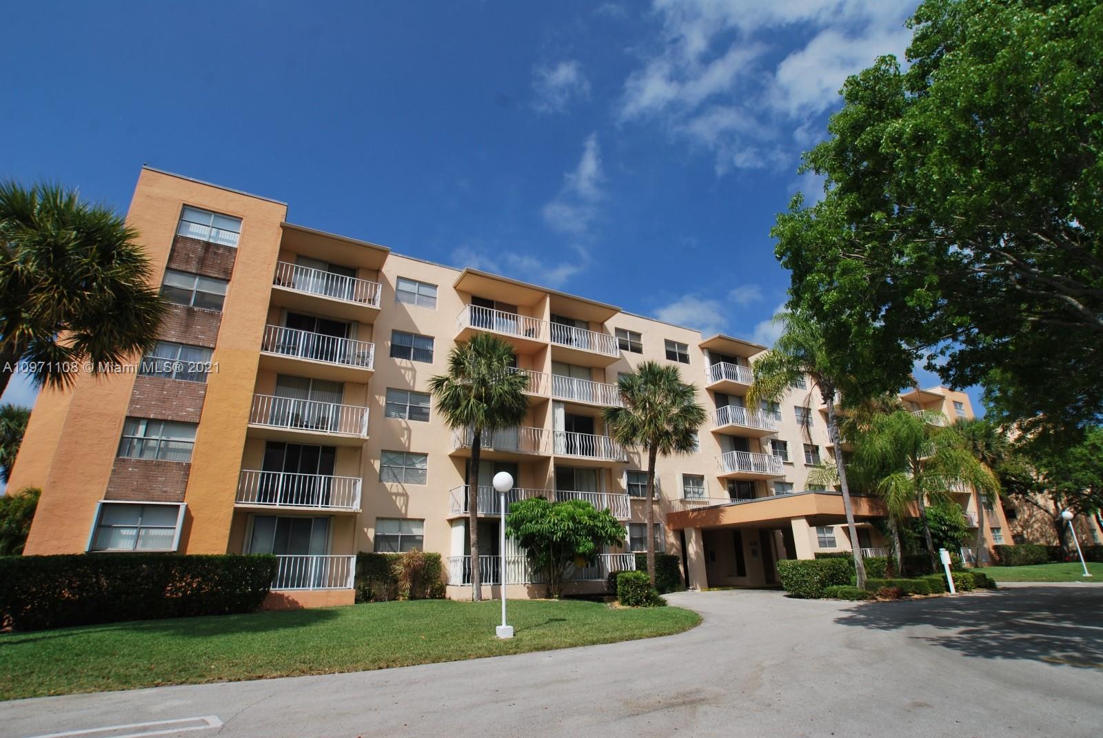 470  Executive Center Dr #2D For Sale A10971108, FL