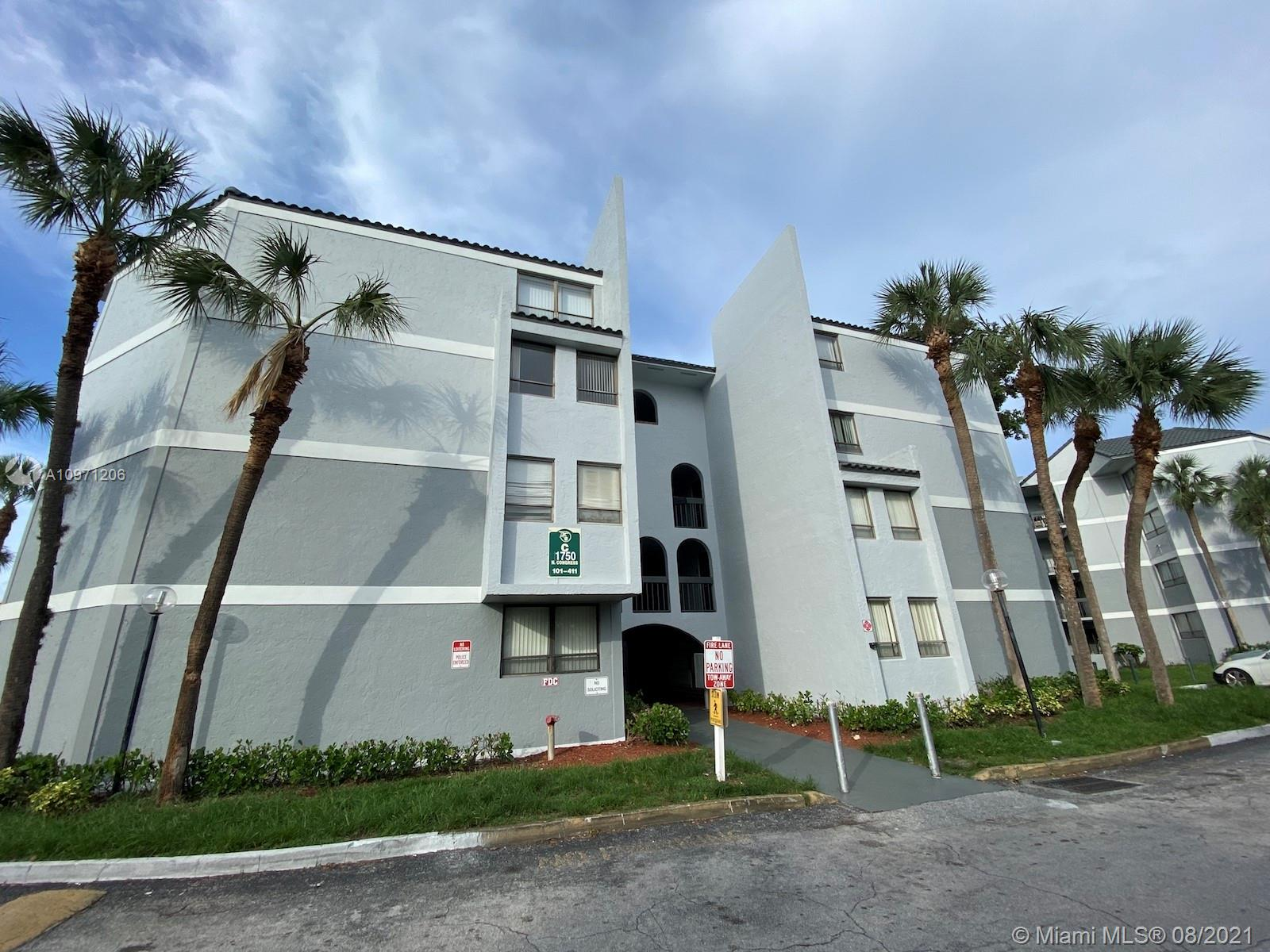 1900 N Congress Ave #106 For Sale A10971206, FL