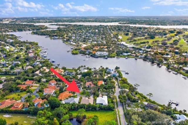 10821 Arielle Ter, Tequesta, Florida 33469