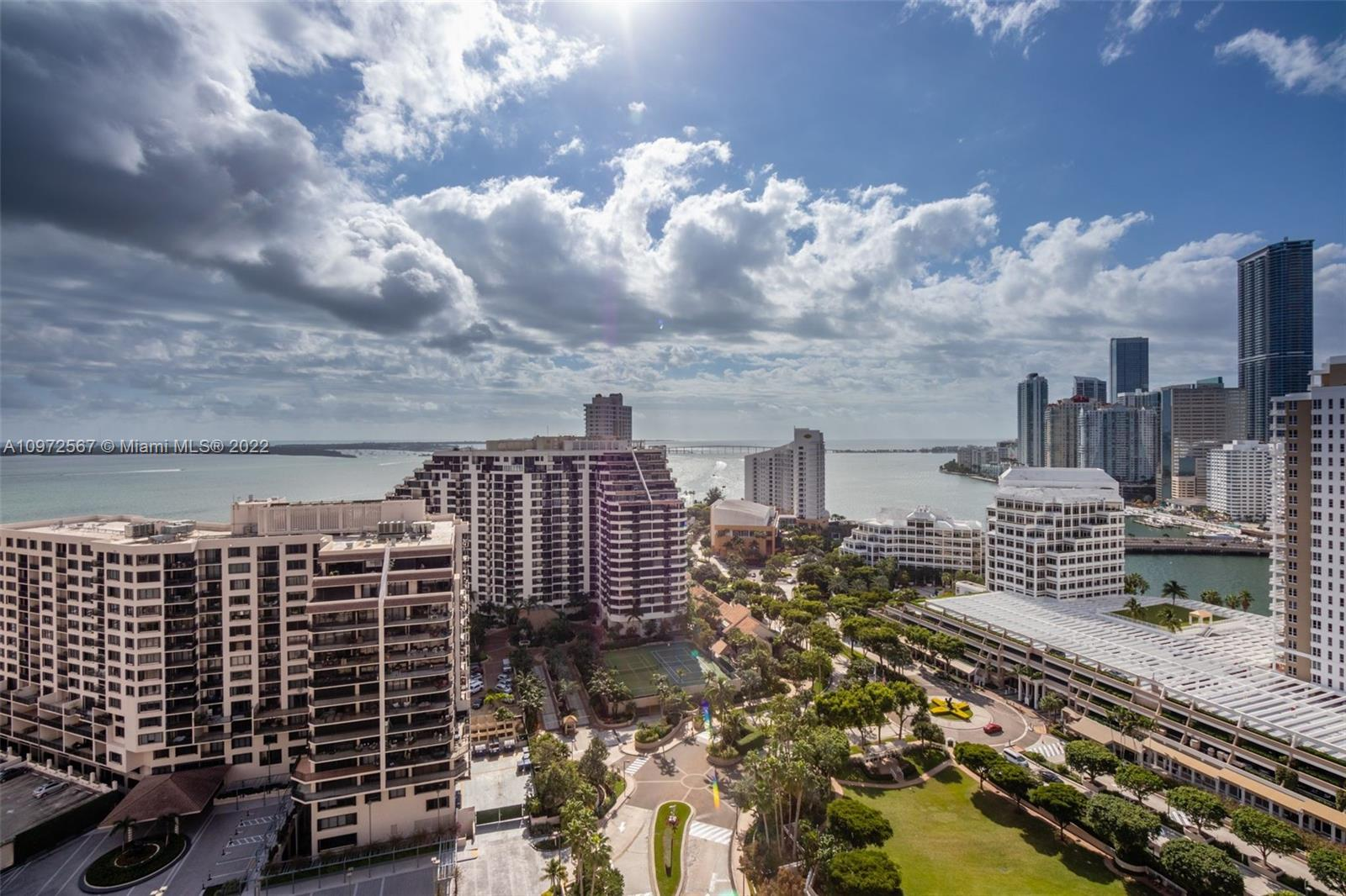 Great opportunity to buy an amazing 4 bedrooms unit and 5,5 bath, in the much desired Tequesta One Condominium in Brickell Key. Unit has spectacular views of Biscayne Bay and the Miami Skyline and feels like a home in the sky. Unit has a very well designed layout with spacious master bedroom and spacious  walk-in closets. This is a full service building with excellent amenities that include 24 hour security. Unit comes with 2 conveniently located parking spaces. Near Mary Brickell Village & Brickell City Center.