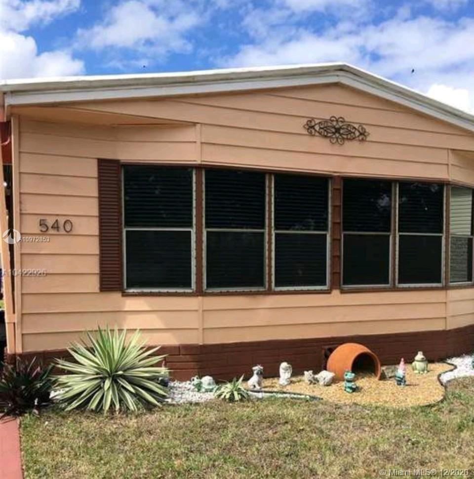 Great mobile home with 3 beds /2 baths (land included). Lake View. Electric Water Heater, e-range, refrigerator
