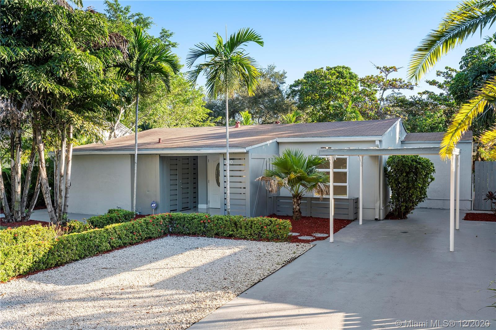 Great opportunity for an owner or investor to own this waterfront 2/2 plus den in the desirable area of Tarpon River. The property was originally a 3/2, but 2 rooms were combine to create a master suite. The owner will allow some credits to update the roof and windows. The property is within close proximity to everything, convenient to major highways and short walking distance to Riverfront and 5-10 minute car ride to the beach.