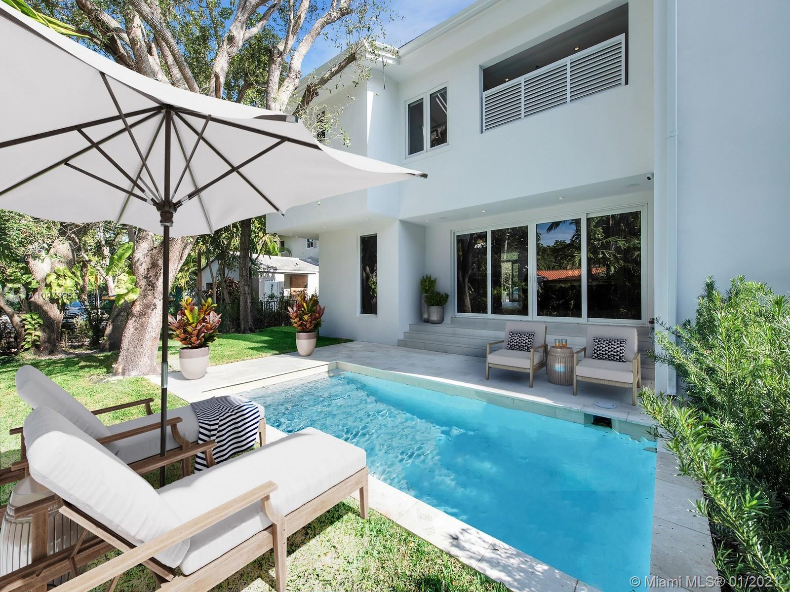 Segovia Villas are located in the heart of Coral Gables, Florida.  These new construction luxury townhomes offer 4B/ 4.5B, private pool, 2 car garage,  elevator, gourmet kitchen, high end finishes in a modern-transitional setting with 3,600 sq. ft. under air. and 4,200 sq. ft. adjusted area.  These elegant, private and gated townhouses boast elegant high ceilings, spa inspired master