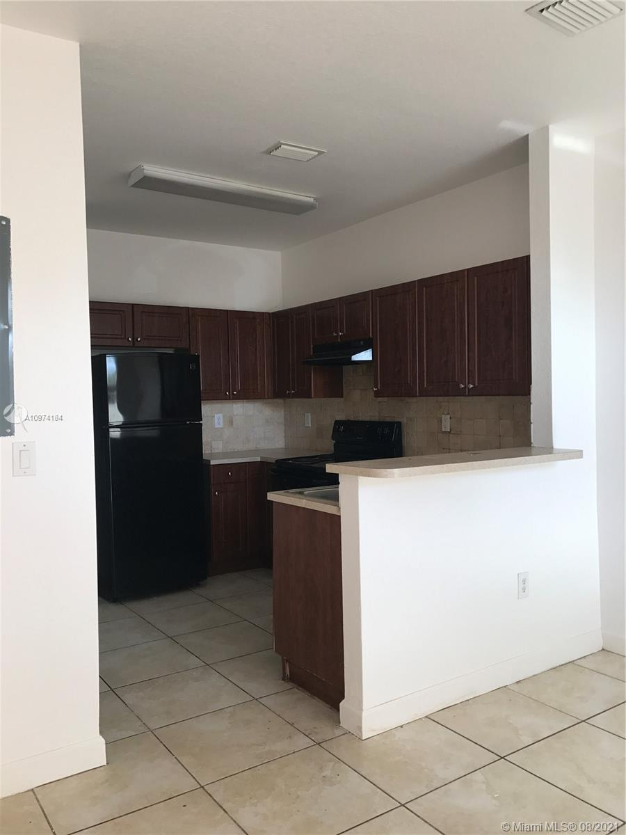 3009 NW 36th Ln #3009 For Sale A10974184, FL