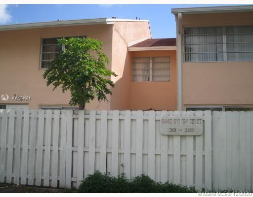 LOCATION ! LOCATION ! STEPS AWAY FROM PUBLIC TRANSPORTATION, CORNER TOWNHOUSE, 3/2.5 MODEL W/PATIO  TERRACE , ONE ASSIGN PARKING SPACE AND OTHER GUEST. WASHER & DRYER , ELECTRIC HEATER,
