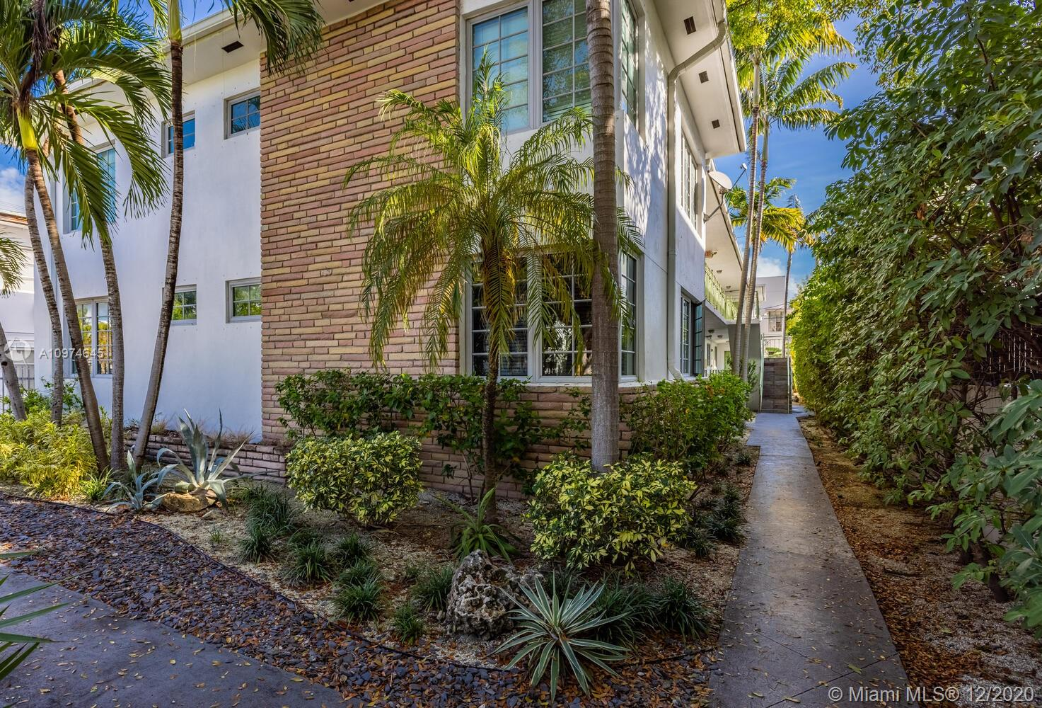 1045  Lenox Ave #6 For Sale A10974645, FL