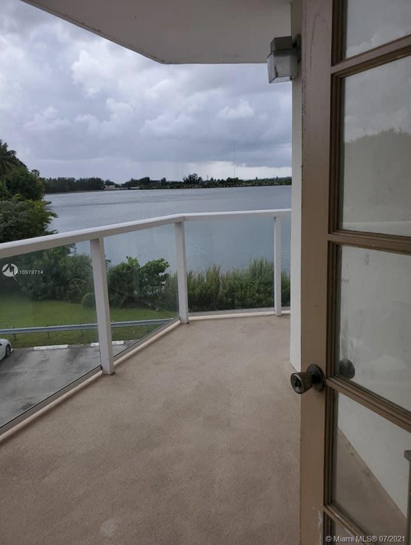 1301 NE Miami Gardens Dr #326W For Sale A10979714, FL