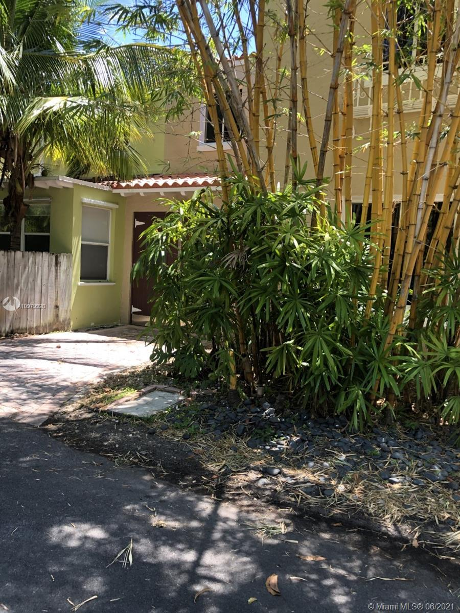 329 W 28th St  For Sale A10979920, FL